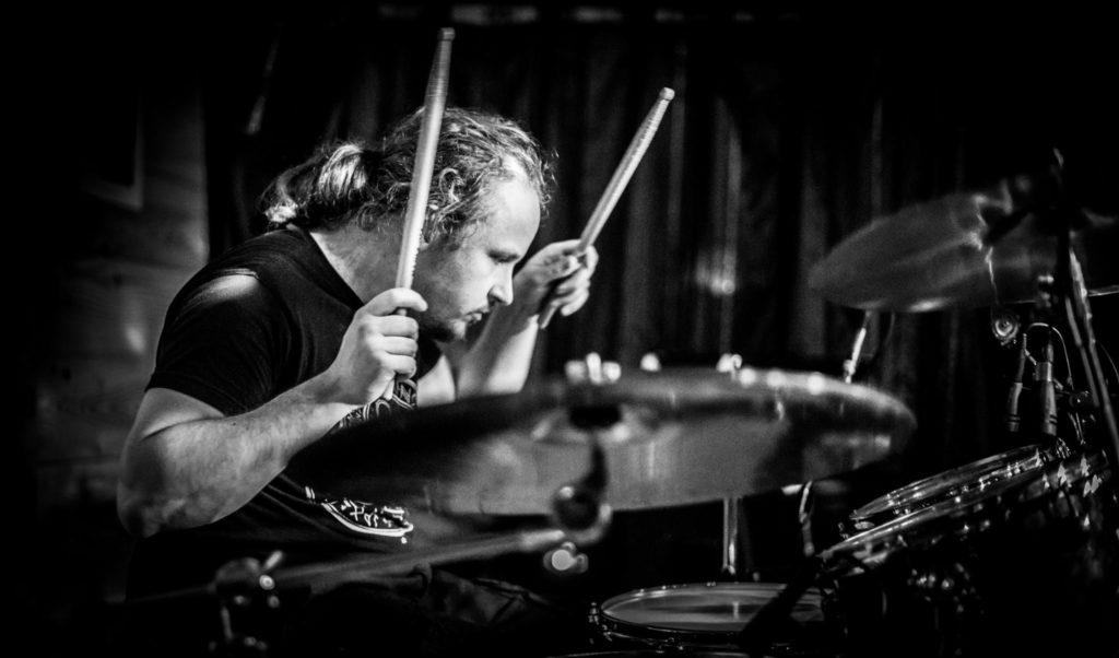 peter scheffer drummen - foto door ted gijsman