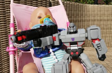 speelgoed baby born pop en megatron transformer