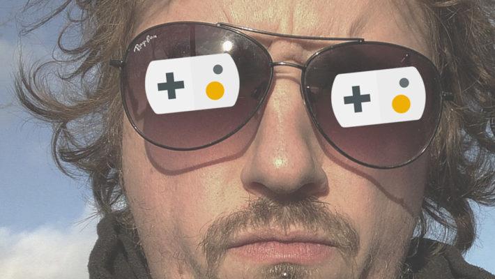 retrogamepapa met gameliner logo op zonnenbril