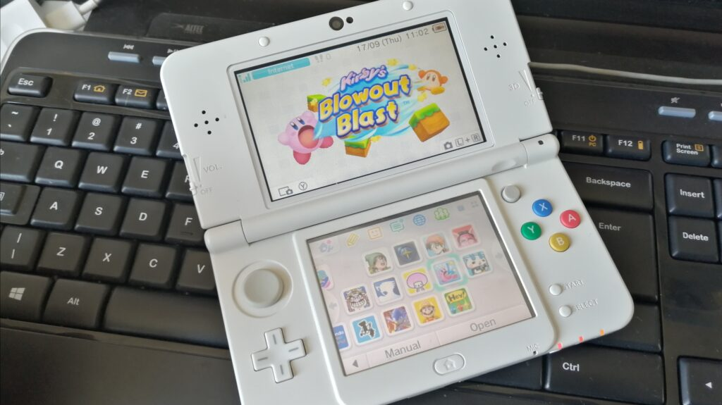 new nintendo 3ds handheld console